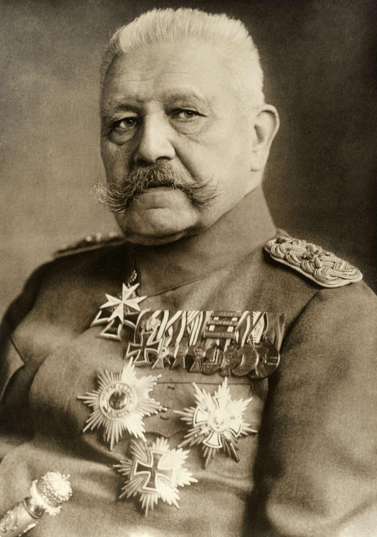 Paul Von Hindenburg, Alman siyasetçi, mareşal (DY-1847) tarihte bugün