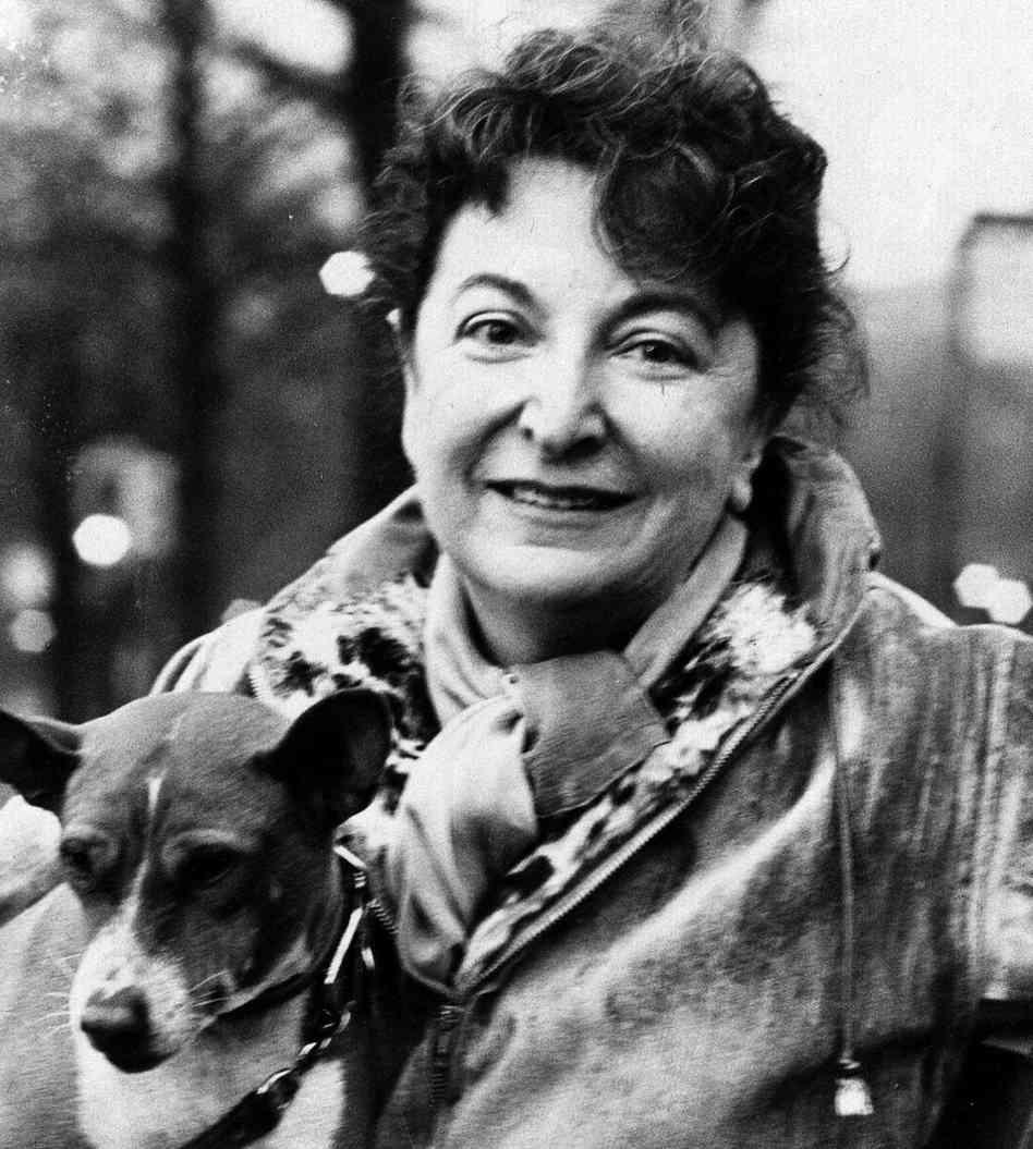 Pauline Kael, film eleştirmeni (DY-1919) tarihte bugün