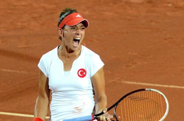 Pemra Özgen, Türk milli tenisçi tarihte bugün