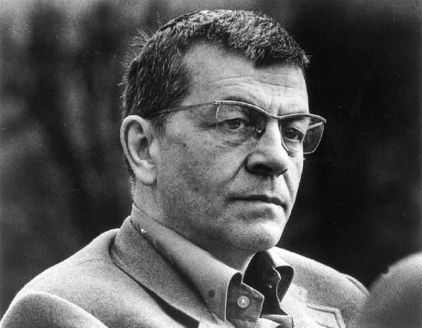 Peter Weiss, Alman yazar (DY-1916) tarihte bugün