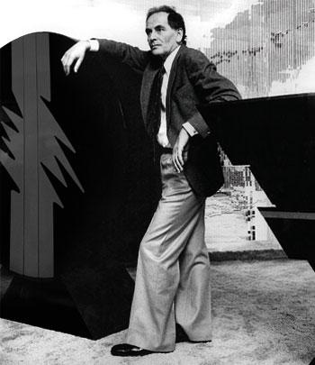Pierre Cardin, modacı tarihte bugün
