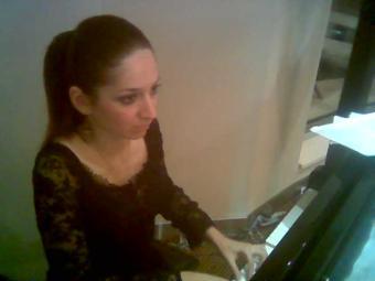 Ayşegül Abadan, piyanist