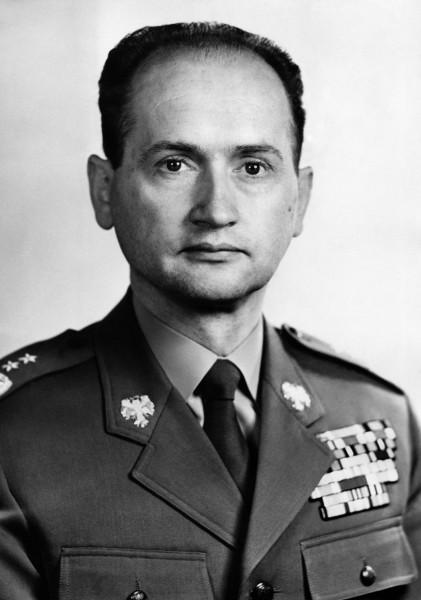Wojciech Jaruzelski, Polonya başkanı tarihte bugün