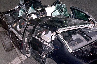 Prenses Diana Spencer trafik kazasında öldü