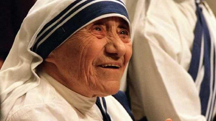 Rahibe Teresa, Arnavut hayırsever. Nobel Barış Ödülü sahibi (DY-1910) tarihte bugün