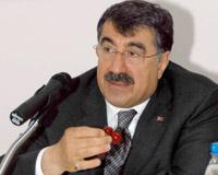 İçişleri Bakanı Abdülkadir Aksu, Türkiye'de toplam 358 kişinin özel koruma altına alındığını bildirdi. tarihte bugün