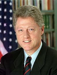 Bill Clinton azil davasında aklandı.