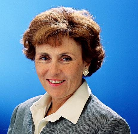 Fransanın ilk kadın basbakanı
