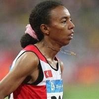 Pekin'de düzenlenen Olimpiyat Oyunları'nda bayanlar 5 bin metre finalinde Türk atlet Elvan Abeylegesse ikinci olarak gümüş madalya kazandı. tarihte bugün