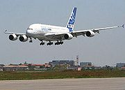 Süperjumbo Airbus ilk uçuşunu yaptı