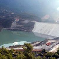 Antalya'nın Alanya İlçesi'nde aşırı yağış nedeniyle dolan Dim Barajı'nda suyu tutan dip savak kapaklarından 4'ü kırıldı. tarihte bugün