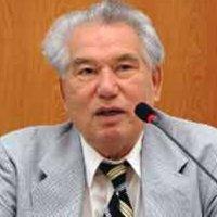 Dünyaca ünlü Kırgız Yazar Cengiz Aytmatov, böbrek yetmezliği sonucu tedavi gördüğü hastanede hayatını kaybetti. tarihte bugün
