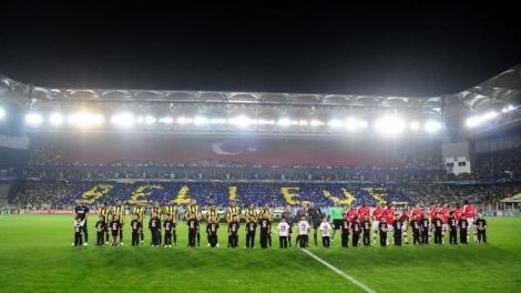 Şampiyonlar Ligi G Grubu'ndaki temsilcimiz Fenerbahçe, gruptaki üçüncü maçında İngiliz ekibi Arsenal'e 5-2 mağlup oldu. tarihte bugün