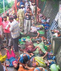 HİNDİSTAN'IN kuzeyindeki Himaçal eyaletinde bulunan Naina Devi tapınağında çıkan izdihamda 145 kişi öldü. tarihte bugün