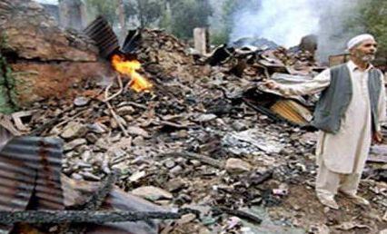 Pakistan'ın batısında,meydana gelen 6,5 büyüklüğünde ki depremde 160 kişi yaşamını yitirdi. tarihte bugün