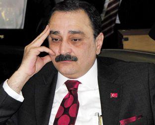 Ergenekon soruşturması kapsamında tutuklanan Ankara Ticaret Odası Başkanı Sinan Aygün ve Barbaros Hayrettin Altıntaş'ın serbest bırakılmasına karar verildi. tarihte bugün