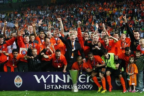 İlk kez Avrupa kıtası dışında ,Şükrü Saraçoğlu Stadı'nda , UEFA Kupası adıyla sonkez oynanan karşılaşmayı Shakhtar Donetsk kazandı. tarihte bugün