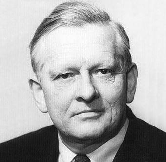 Richard Kuhn,Alman biyokimyacı. Nobel Kimya Ödülü sahibidir (DY-1900) tarihte bugün
