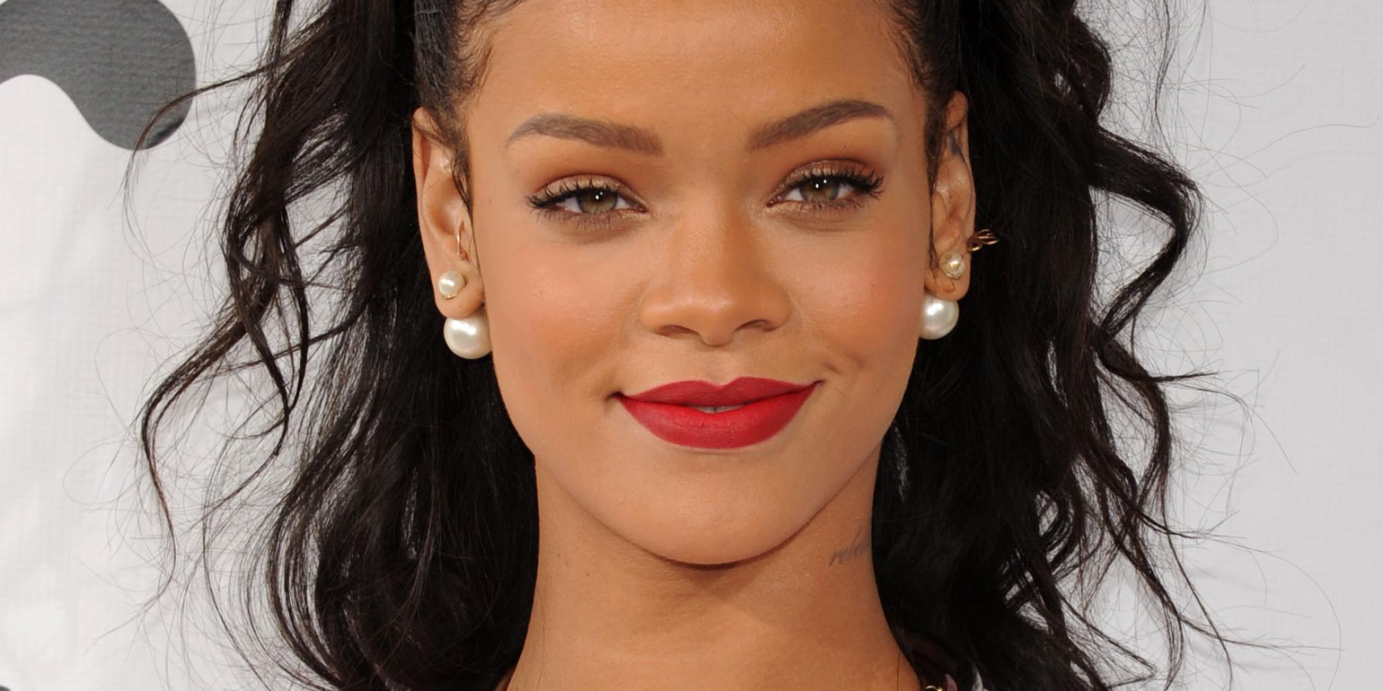 Rihanna, Barbadoslu şarkıcı tarihte bugün