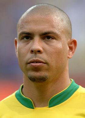 Ronaldo, Brezilyalı futbolcu tarihte bugün