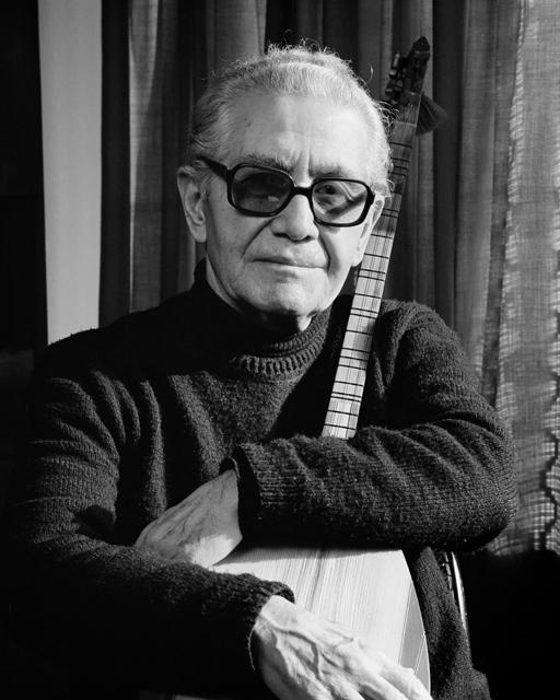 Halk müziği yorumcusu, opera sanatçısı, besteci ve şair Ruhi Su. tarihte bugün