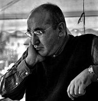 Seyhan Erözçelik, şair (DY-1962) tarihte bugün