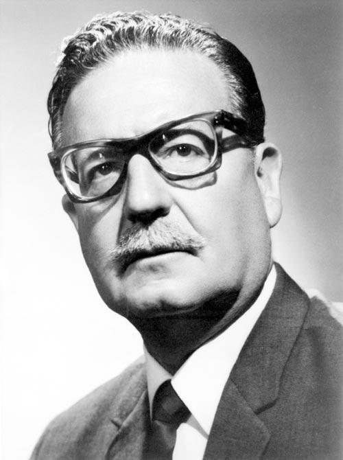 Salvador Allende, ޞili devlet başkanı (darbe sonucu parlamentoda öldürüldü) (DY-1908) tarihte bugün