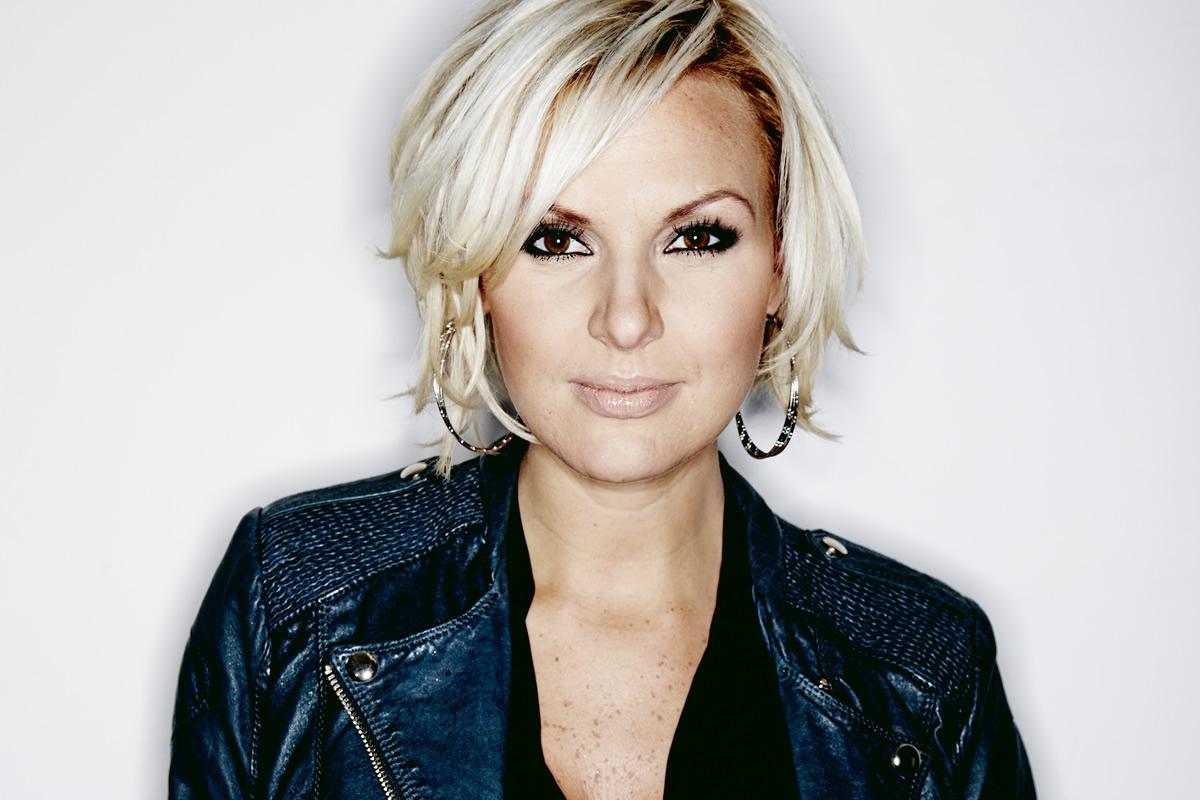 Sanna Nielsen, isveçli şarkıcı tarihte bugün