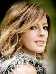 Sarah McLachlan, Kanadalı müzisyen tarihte bugün