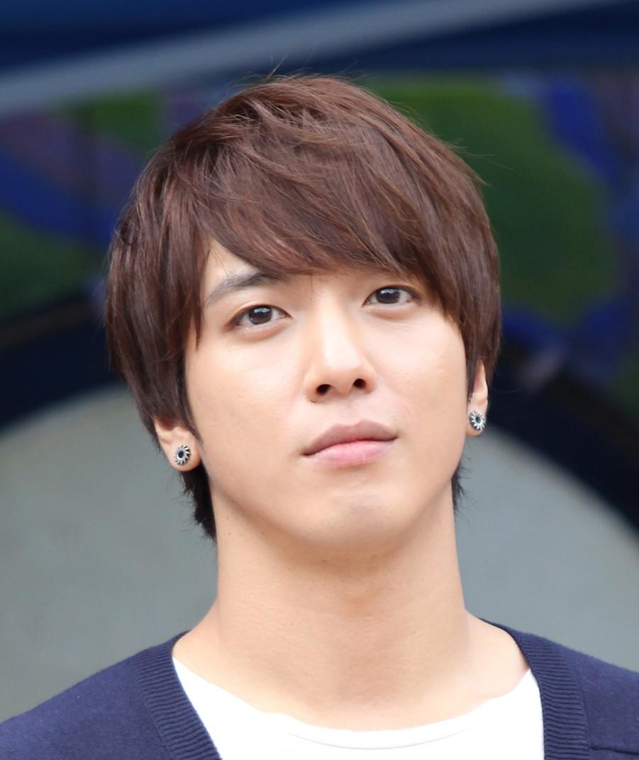 Jung Yong Hwa, Güney Koreli oyuncu,şarkıcı tarihte bugün
