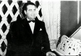 Şecaettin Tanyerli, tango şarkıcısı (ÖY-1994) tarihte bugün