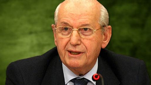 Şenez Erzik, UEFA 1. Asbaşkanı tarihte bugün