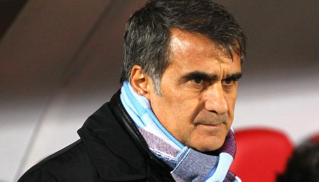 Şenol Güneş, eski futbolcu ve teknik direktör