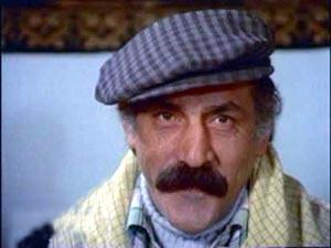 Sırrı Elitaş, tedavi gördüğü hastanede yaşamını yitirdi. Türk sinemasının emektar isimlerindendi. tarihte bugün