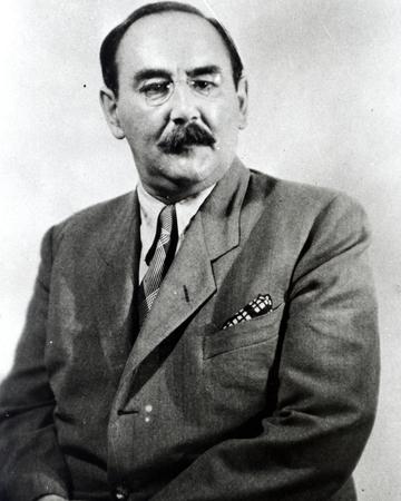 Siyasetçi Imre Nagy öldü