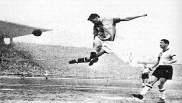 FIFA Dünya Kupası Finalleri tarihindeki ilk golümüzü atan, A Milli Takım forması giyen Suat Mamat öldü. tarihte bugün