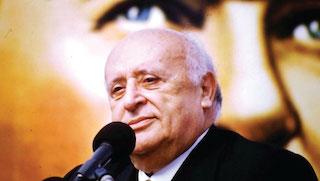 DYP Genel Başkanı Süleyman Demirel, MİT'in sivilleştirilmesini istedi. Demirel MİT'in başında muvazzaf subaylar olduğunu belirterek,