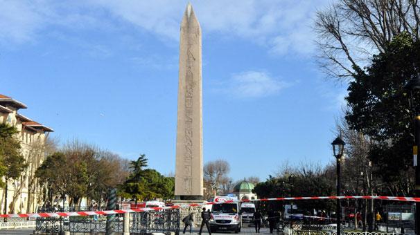 Sultanahmet Meydanı Dikilitaş civarında saat 10.20 sıralarında patlama meydana geldi. 10 Ölü 15 yaralı tarihte bugün