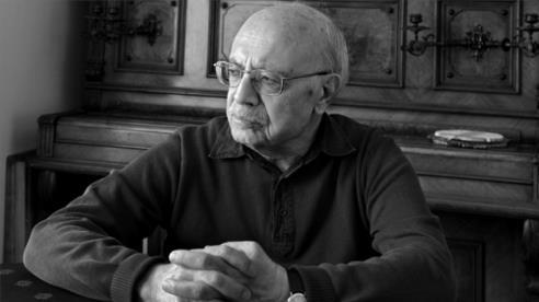 Edebiyatçı yazar, eleştirmen ve akademisyen Tahsin Yücel, 83 yaşında hayatını kaybetti. tarihte bugün