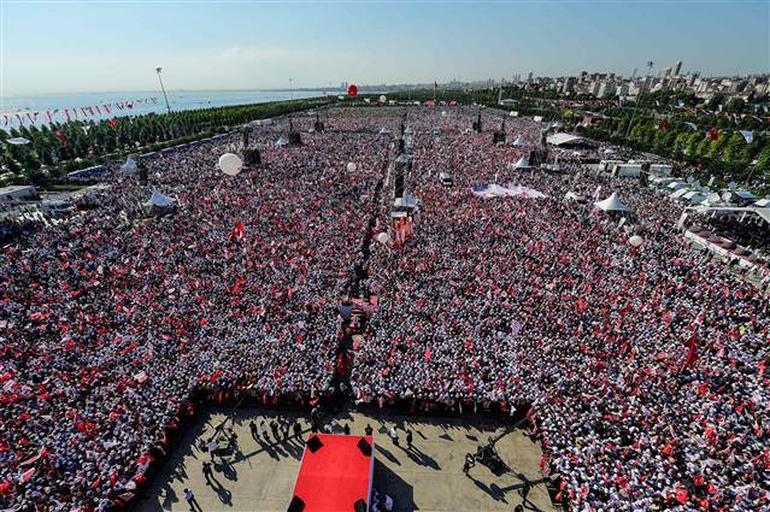 Tarihi Adalet Yürüyüşü Mitingle Noktalandı