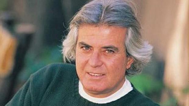 Sinema oyuncusu, sanatçı Tarık Akan hayatını kaybetti.  tarihte bugün