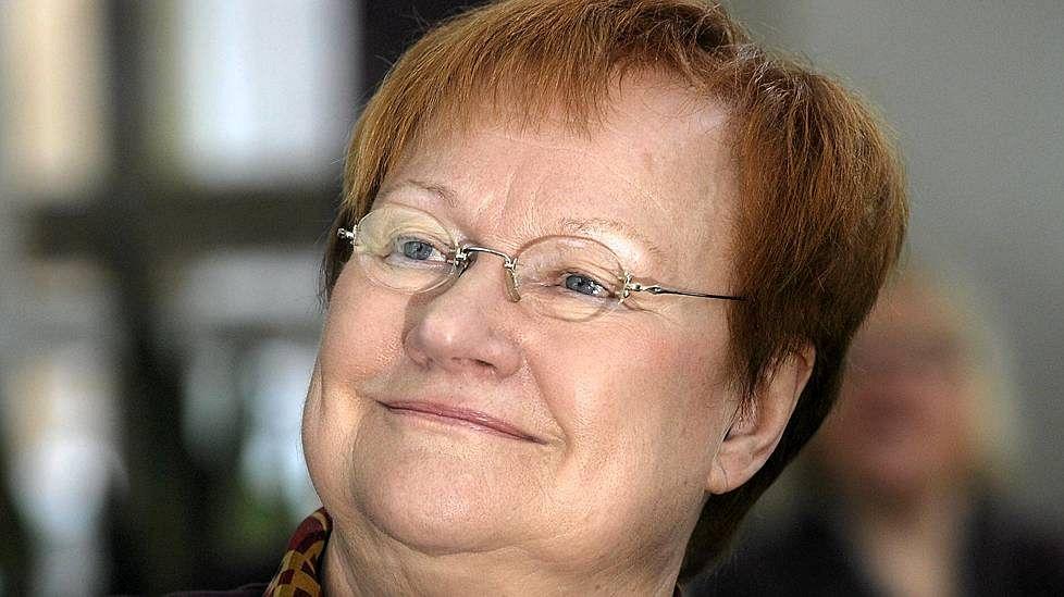 Tarja Halonen, Finlandiyanın ilk kadın cumhurbaşkanı tarihte bugün