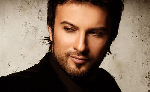 Tarkan Tevetoğlu, şarkıcı, söz yazarı tarihte bugün