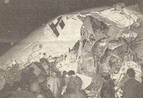 Türk Hava Yolları'nın Mersin adlı uçağı Van seferini yaparken düştü;59 kişi öldü, 22 kişi yaralı. tarihte bugün