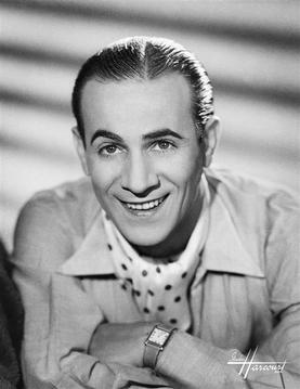 Tino Rossi, Fransız şarkıcı ve aktör (DY-1907) tarihte bugün