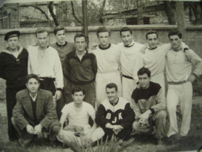 Tolon Tosun, spor adamı, diş hekimi (ölümü:1993) tarihte bugün