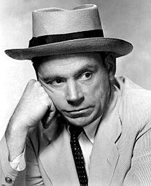 Tom Ewell, Amerikalı aktör (DY-1909) tarihte bugün