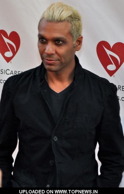 Tony Kanal, ingiliz müzisyen (No Doubt)