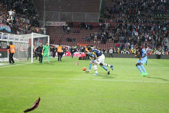 Trabzonspor Fenerbahçe Maçında Olaylar çıktı Maç Tatil Edildi