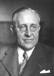 Victor Francis Hess, Nobel Fizik Ödülü sahibi, fizikçi tarihte bugün